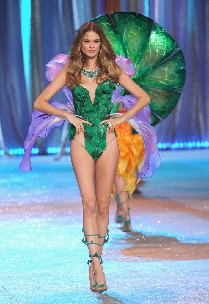 Victorias_Secret_Fashion_Show_2012_2013_35