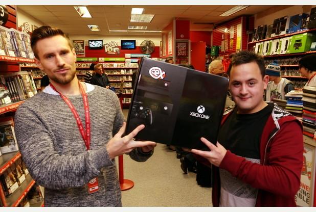 arnaque ebay il achète la photo d'une xbox one pour 540 euros
