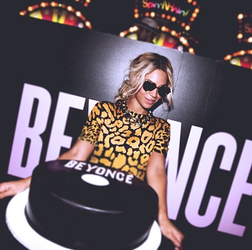 photo beyonce sexy jeu video soirée gateau sortie nouvel album surprise beyonce part 1