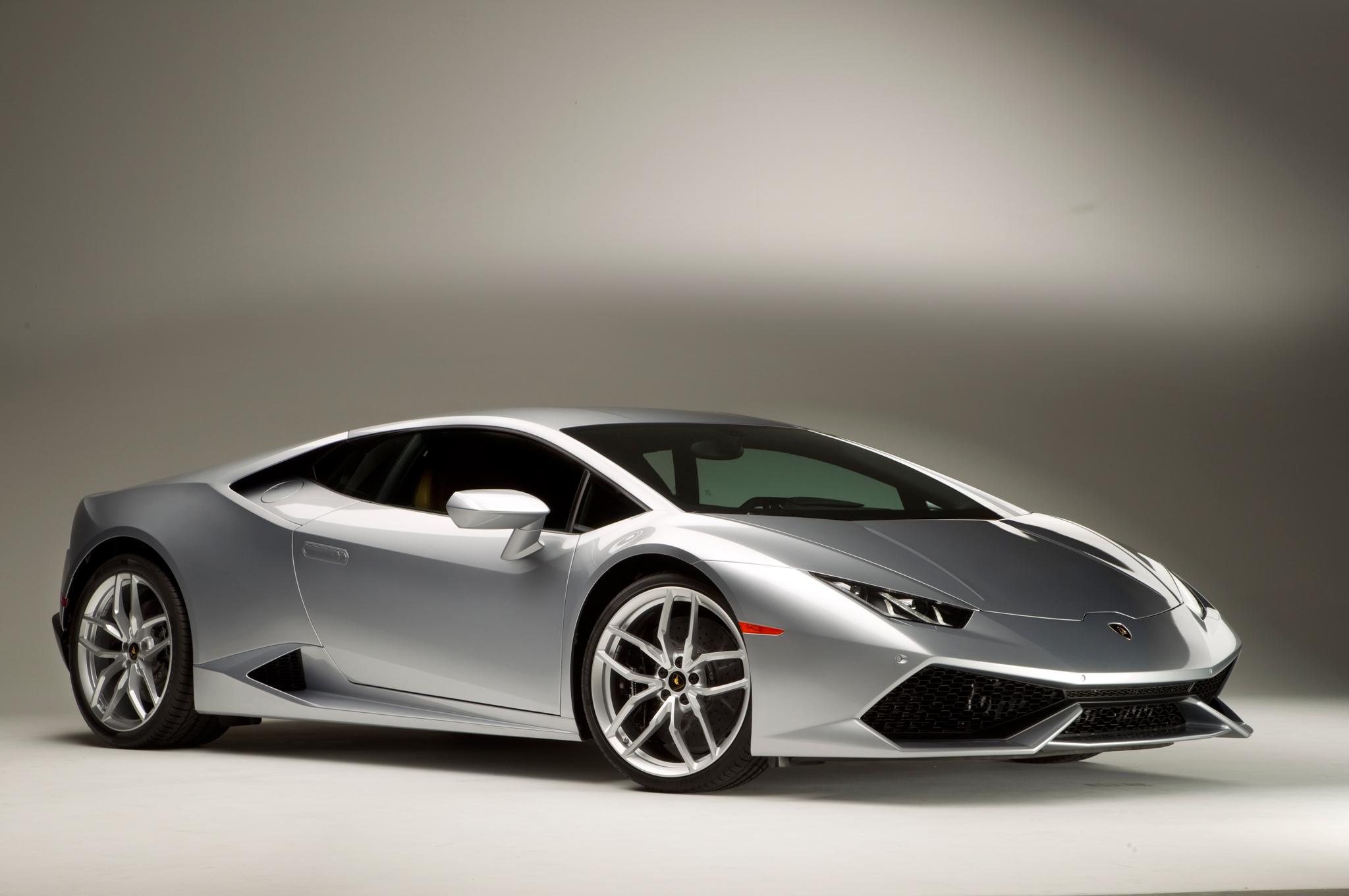 Lamborghini Huracan 2015 de côté