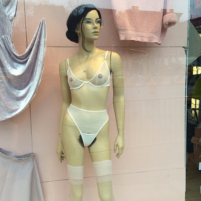 mannequin american apparel poil pubien tendance années 70
