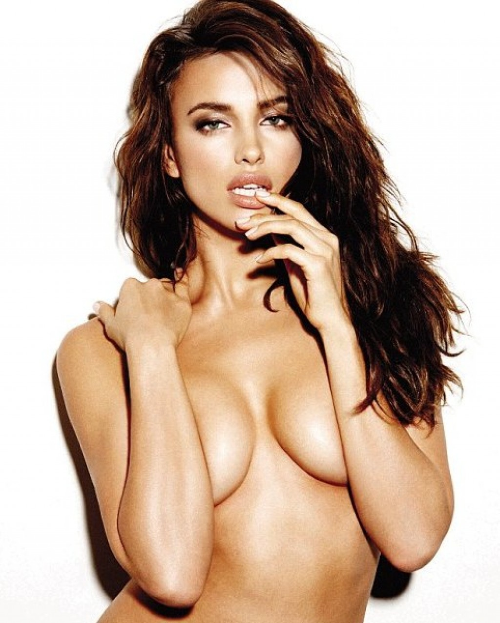 irina shayk sexy hot nue mannequin russe femme du footballeur ballon d 'or 2013 cristiano ronaldo joueur du real madrid