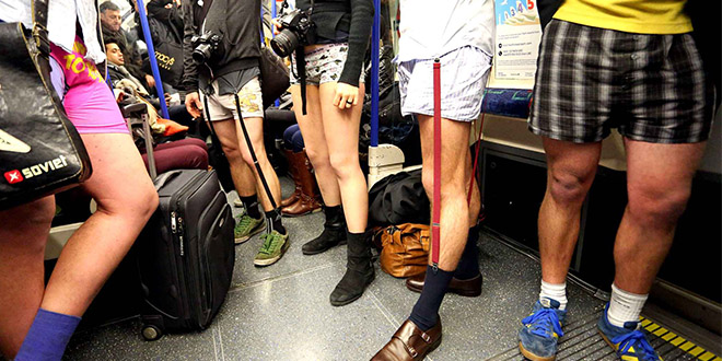 No pants Subway Ride 2014 event paris