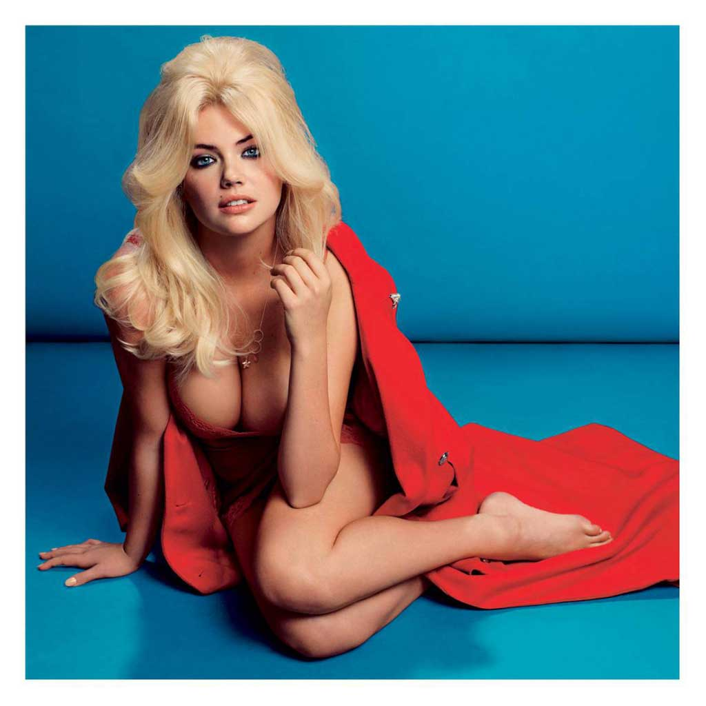 kapte upton derniere photos sexy couverture v magazine bikini poitrine