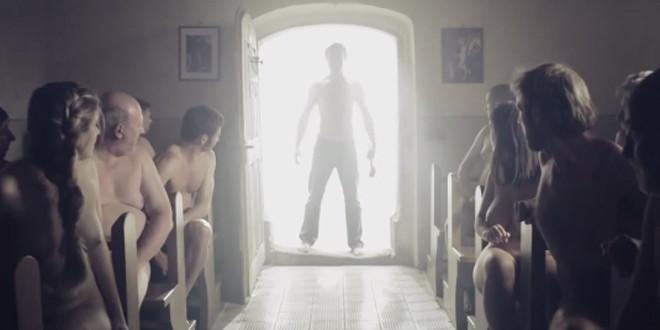 Une publicité nudiste pour des jeans fait le buzz sur internet