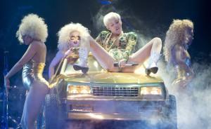 Miley Cyrus Bangerz tour se touche concert