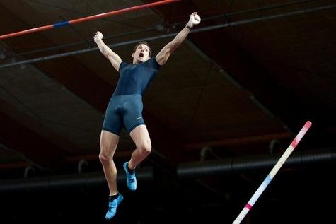 Renaud-Lavillenie-s-envole-vers-le-record-du-monde_article_main