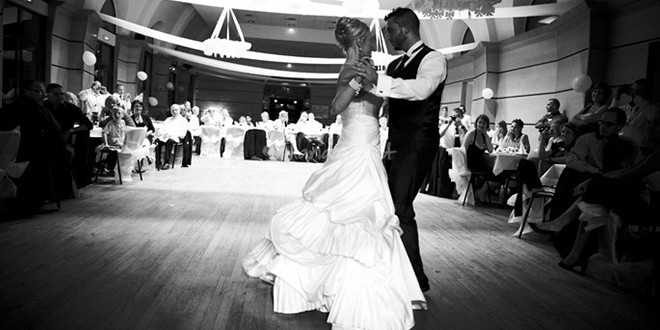 la danse incroyable d'une mere au mariage de son fils