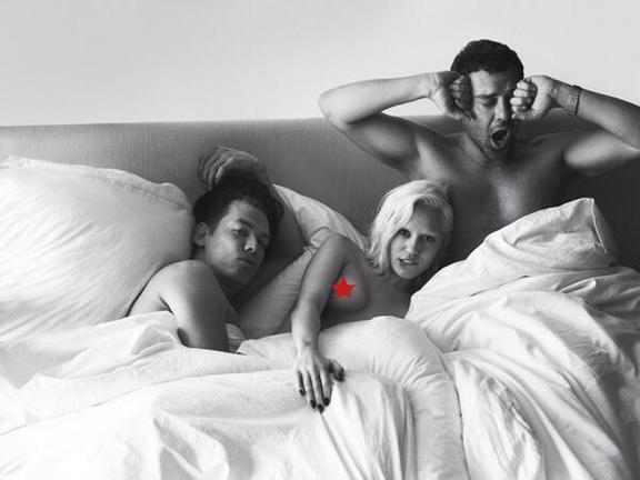 miley cyrus au lit avec deux mecs