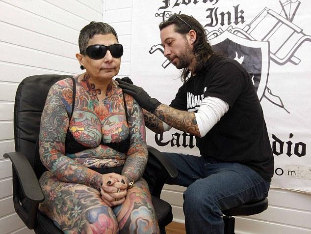 Fran Atkinson tatouage femme aveugle