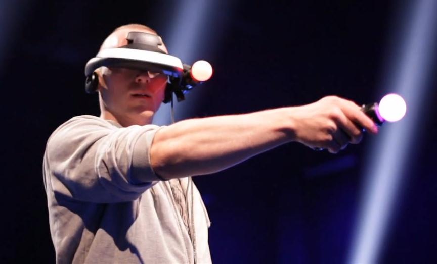 casque de réalité virtuelle et ps move