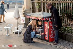 Coca-Cola-Mini-Can-Mini-Kiosk-2