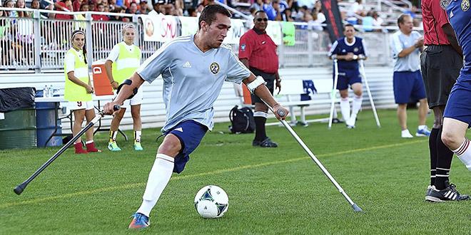 footballeur unijambiste Nicolai Calabria