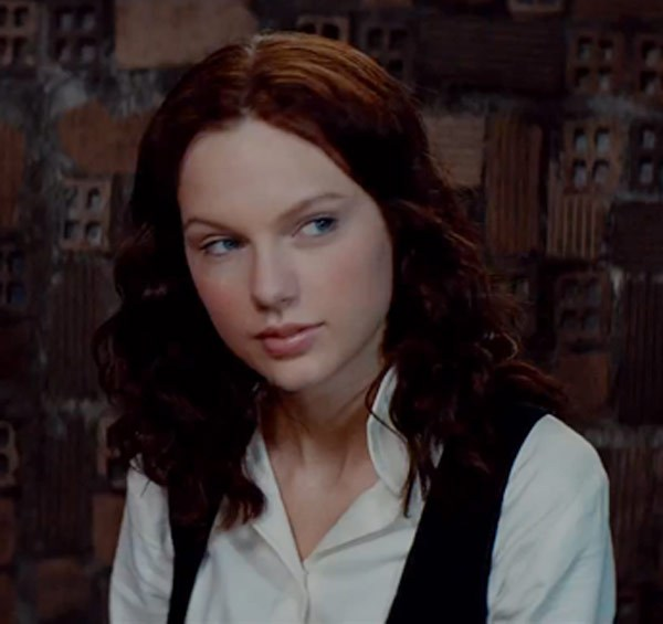 taylor swift dans the giver