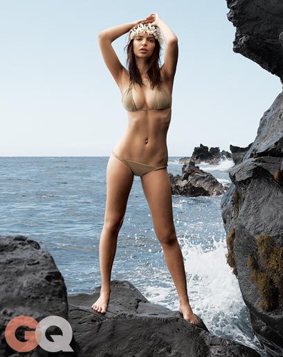 emily ratajkowski fesses nue seins photo gq