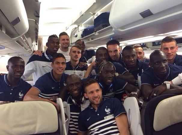 photo bleus avion brésil antoine griezmann Instagram