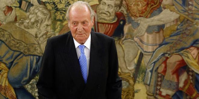 le roi d'Espagne Juan Carlos abdique