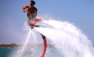 hoverboard sur l'eau