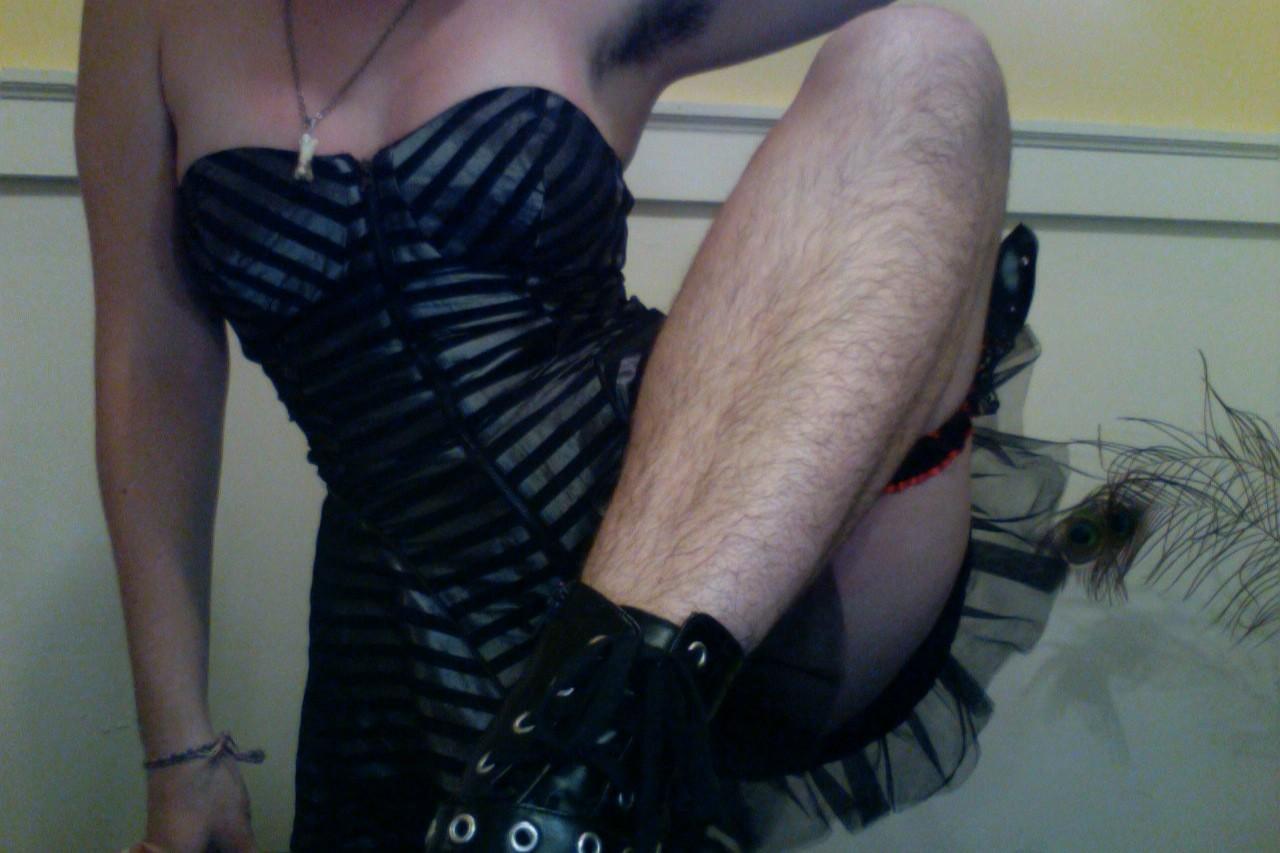 7773237703_feminines-les-jambes-du-club-des-jambes-poilues