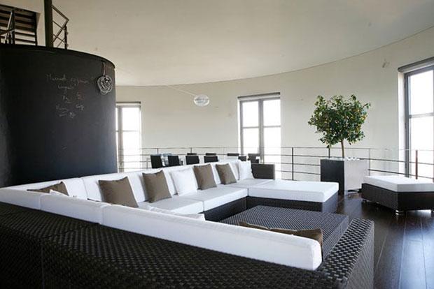 ancien chateau eau transformé en maison villa