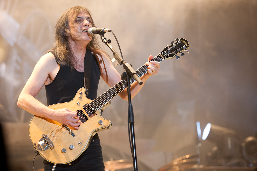 malcolm young malade