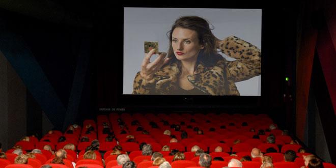 la connasse au cinema serie camera cachee