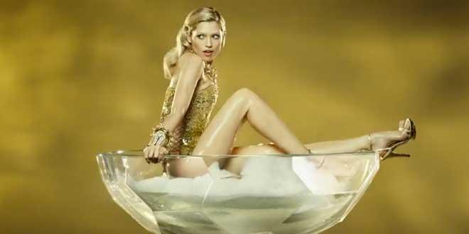 musique pub paco rabanne eau my gold
