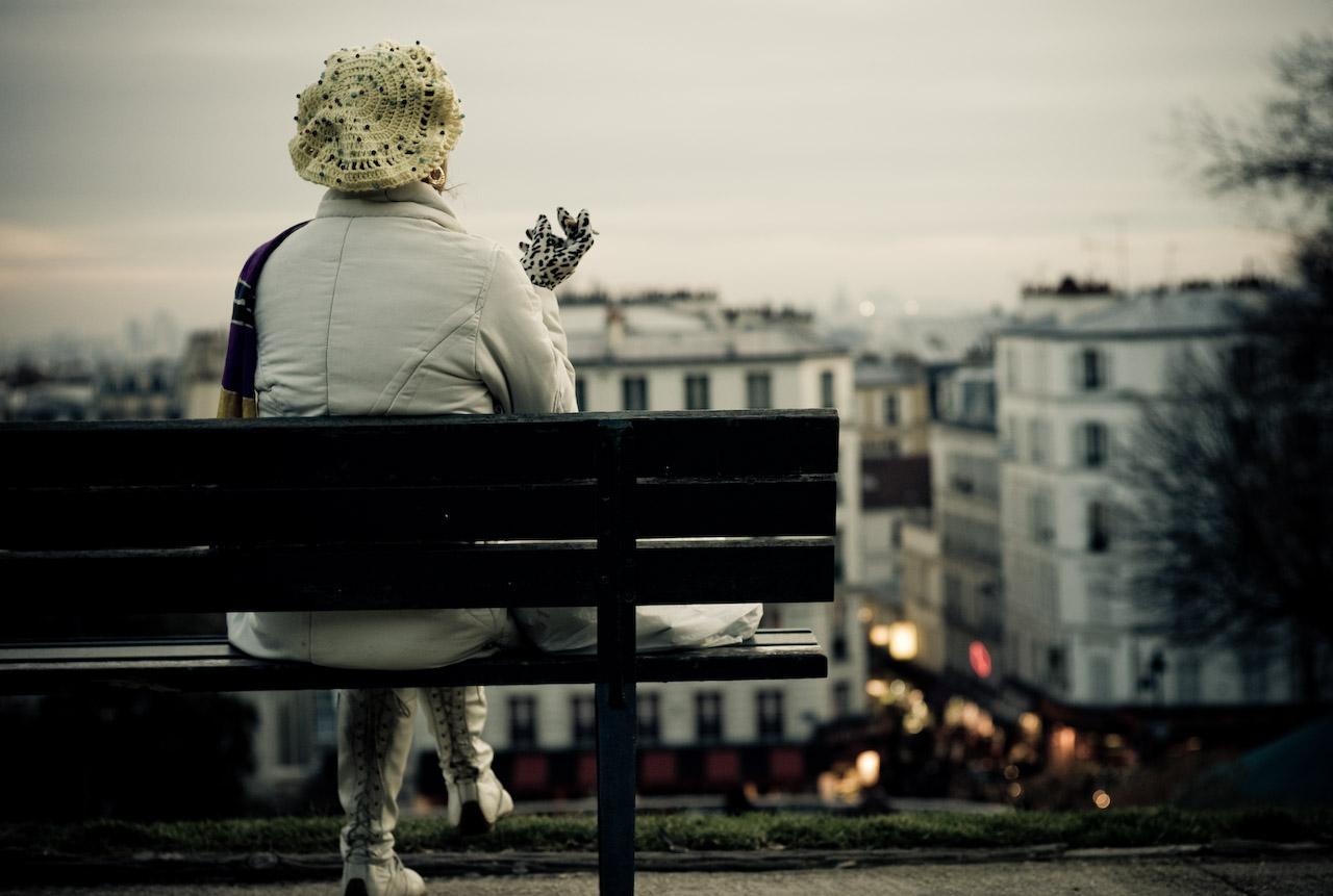 anne hidalgo cigarette jardin public paris