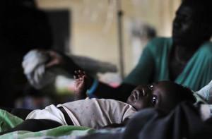 1453031_5_88f5_un-enfant-infecte-par-le-paludisme-dans-un_74b91dea3f1e0463311ab361f839cadb