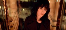 Yves Saint Laurent : la nouvelle publicité pour le parfum Black Opium