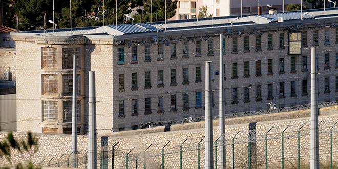 prison baumettes marseille