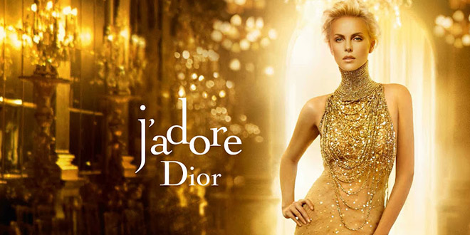 la publicit du parfum dior j 39 adore avec charlize theron. Black Bedroom Furniture Sets. Home Design Ideas