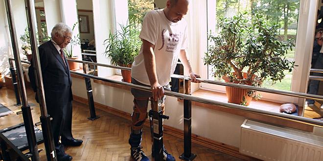Darek Fidyka pompier bulgare paralyse remarche