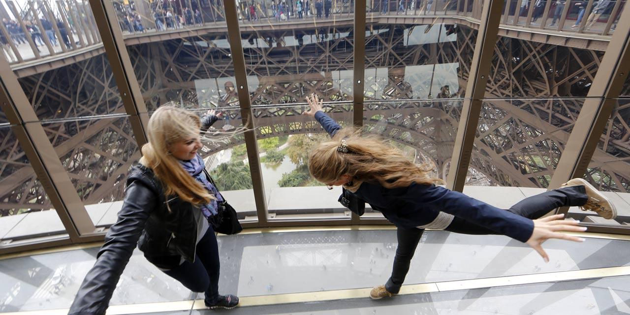 premier etage Tour Eiffel