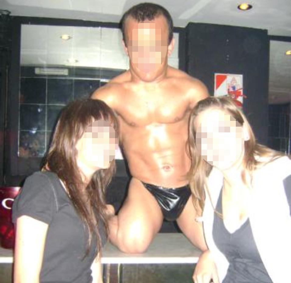 stripteaseur nain espagne