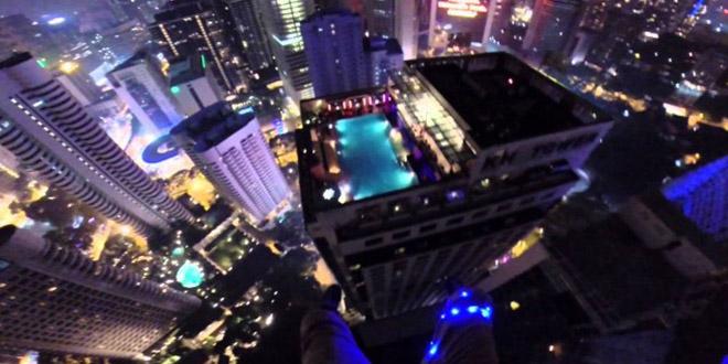 tour saut base jump atterit piscine hotel