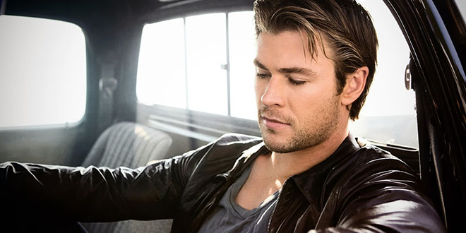 chris hemsworth  sexy