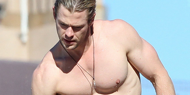 chris hemsworth torse nu