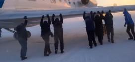 russie avion gele pousse passagers