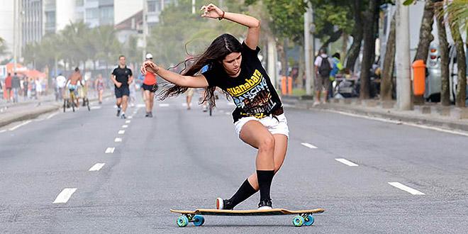 Ana Maria Suzano longboard