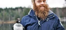 Un norvégien plonge dans un lac gelée pour sauver un Canard