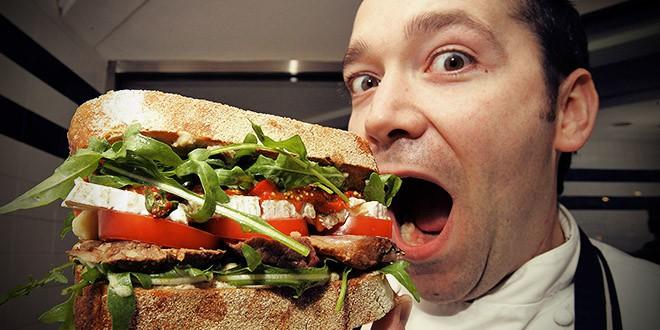 Reina Pepiada sandwich