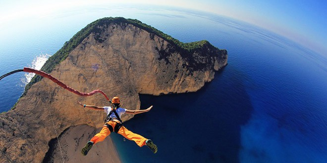 Rope base jumping grece saut