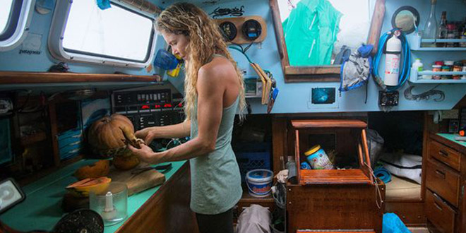 liz clark sur voyage swell bateauliz clark sur voyage swell bateau
