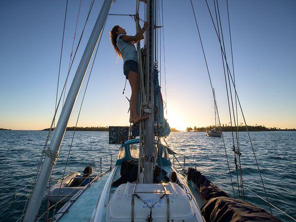 liz clark sur voyage swell solo