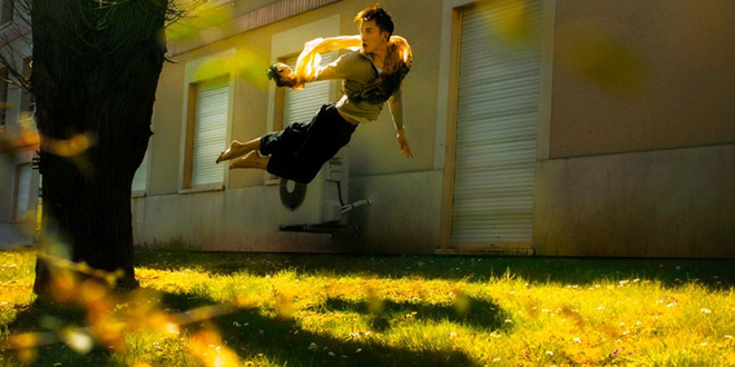 michael jou levitation jardin jaune