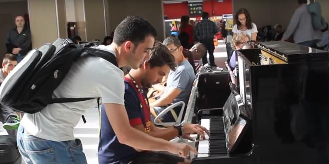 il-joue-du-piano-dans-des-gares-parisienne-apres-attentats