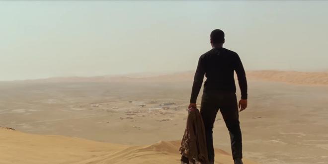 star-wars-homme-de-dos-dans-le-désert