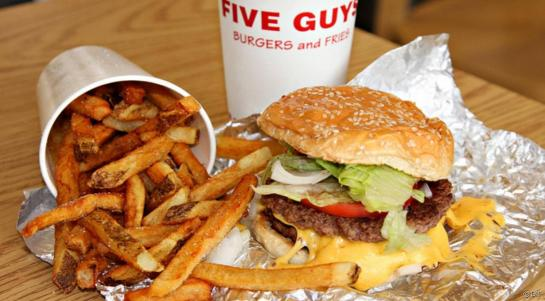 5475621_111331-les-burgers-du-restaurant-five-guys-article-top-1_545x460_autocrop