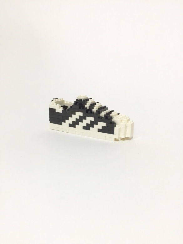 baskets-sneakers-connues-représentées-lego